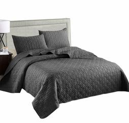 3-Piece Queen Size Quilt Set with Pillow Shams, as Bedspread
