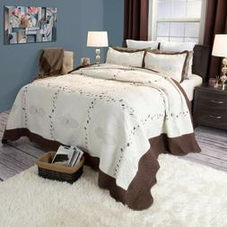 Lavish Home Athena Embroidered Full/Queen Quilt Set in White