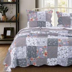 Barefoot Bungalow Giulia Quilt Set with Pillow Sham - Gray