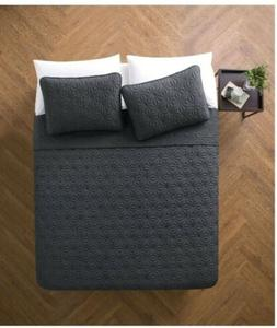 VCNY Home Kaleidoscope 3-Piece Geometric Embossed Bedding Qu