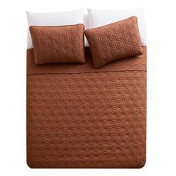 VCNY Home Kaleidoscope Embossed Polyester 3 Piece Quilt Set,