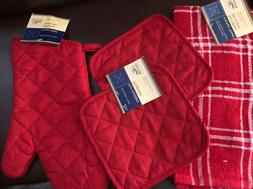 Kitchen Towel Oven Mitt Potholders 4 Piece Set Lot Red Quilt