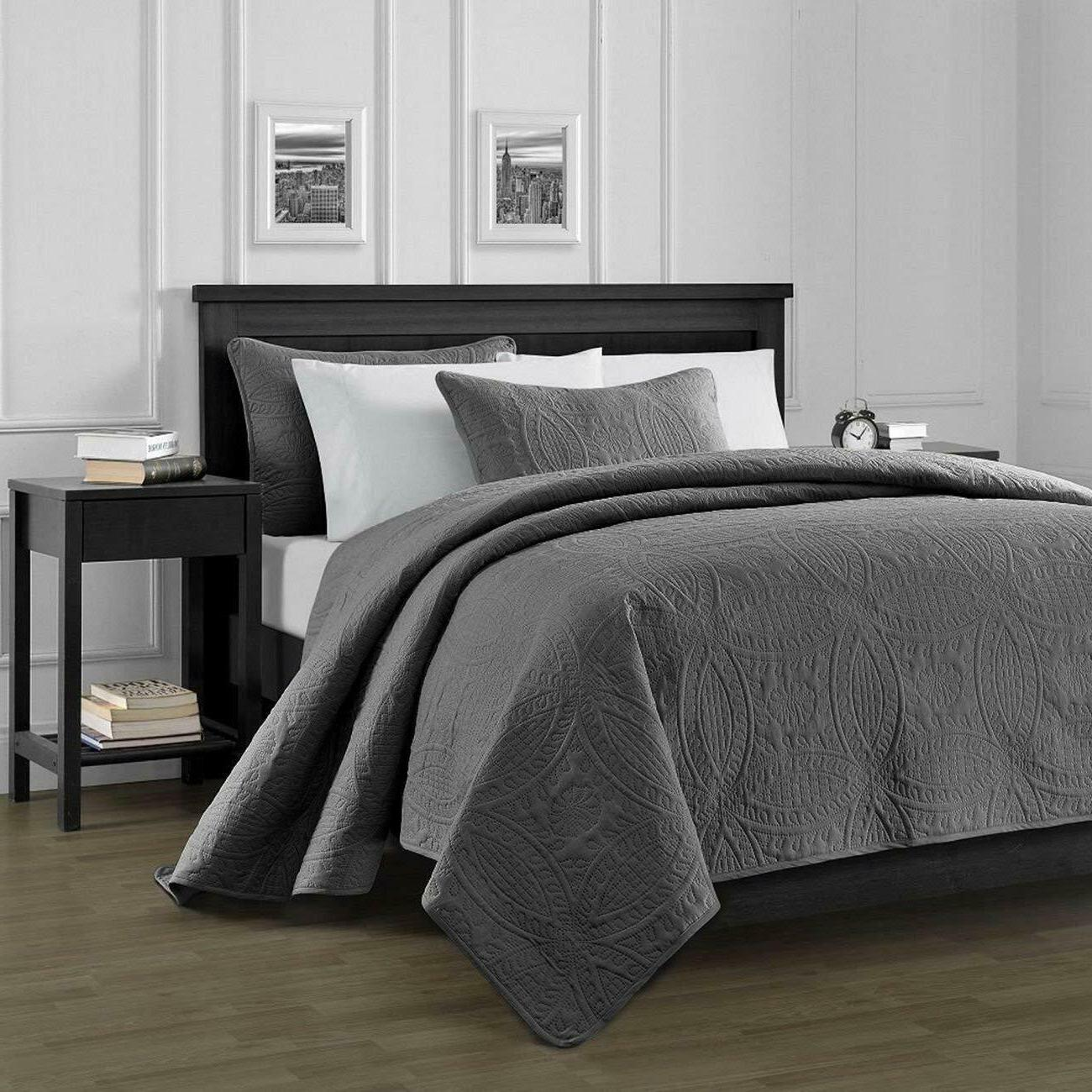 3 piece solid pinsonic quilt coverlet set