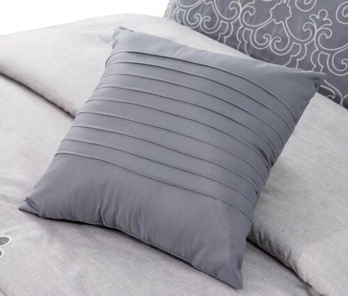 Chezmoi White Floral Scroll Comforter
