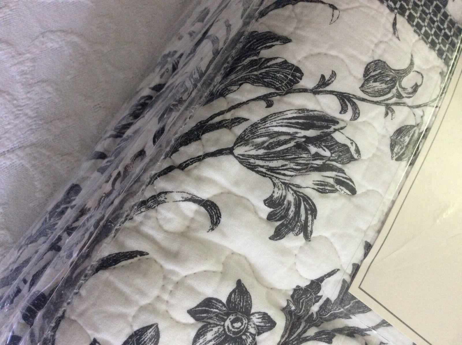 Laura Amberly King Quilt Set & White Reversible
