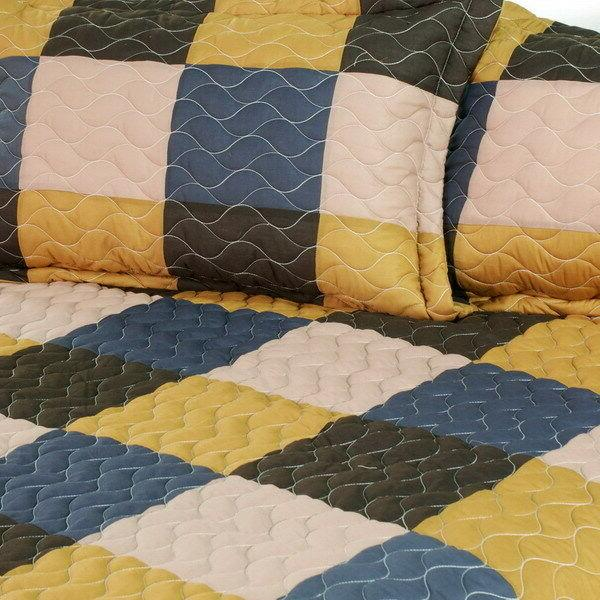 Antique Chic 3PC Vermicelli-Quilted Patchwork Quilt