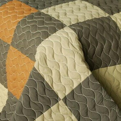 Vermicelli-Quilted Quilt Set