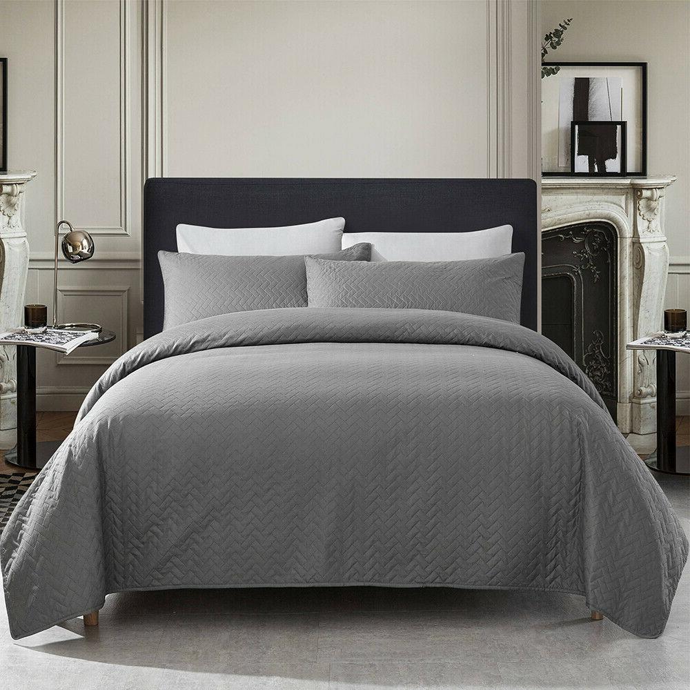 Embossed Reversible Quilt Set Bedding Queen