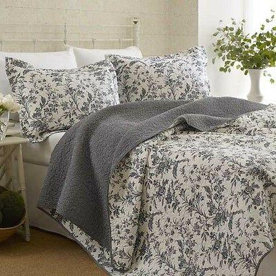 King size Cotton Blend 3-Piece Reversible Quilt Set in Grey