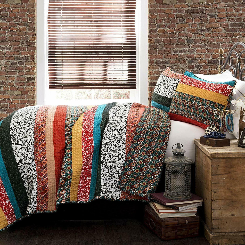 Lush Quilt Reversible 3 Bohemian Design Bedding Set -