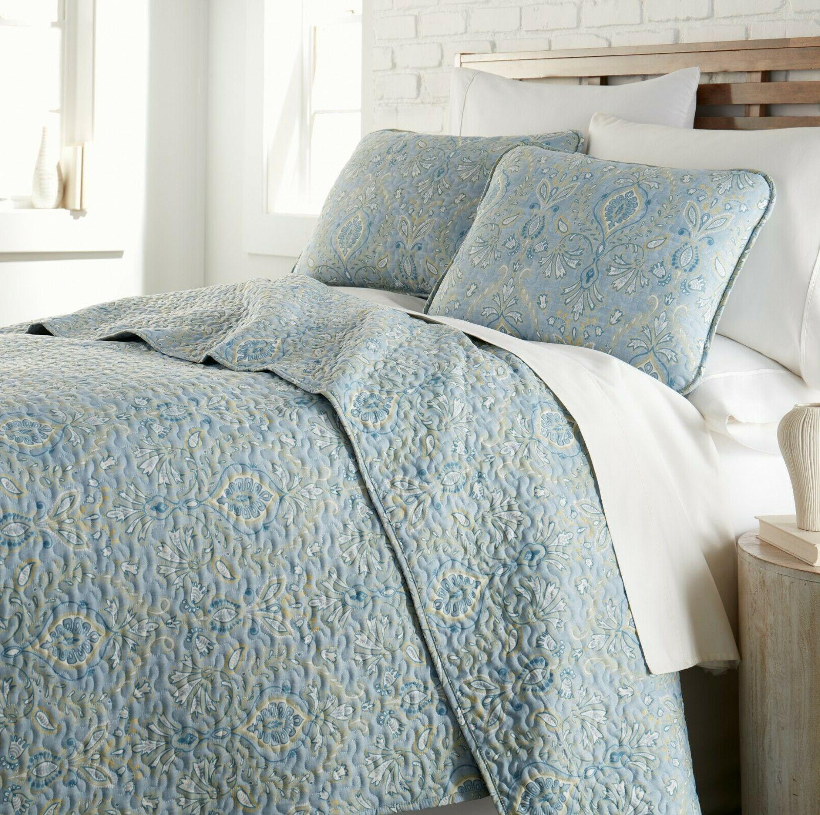 luxurious and comfortable paisley grace collection lightweig
