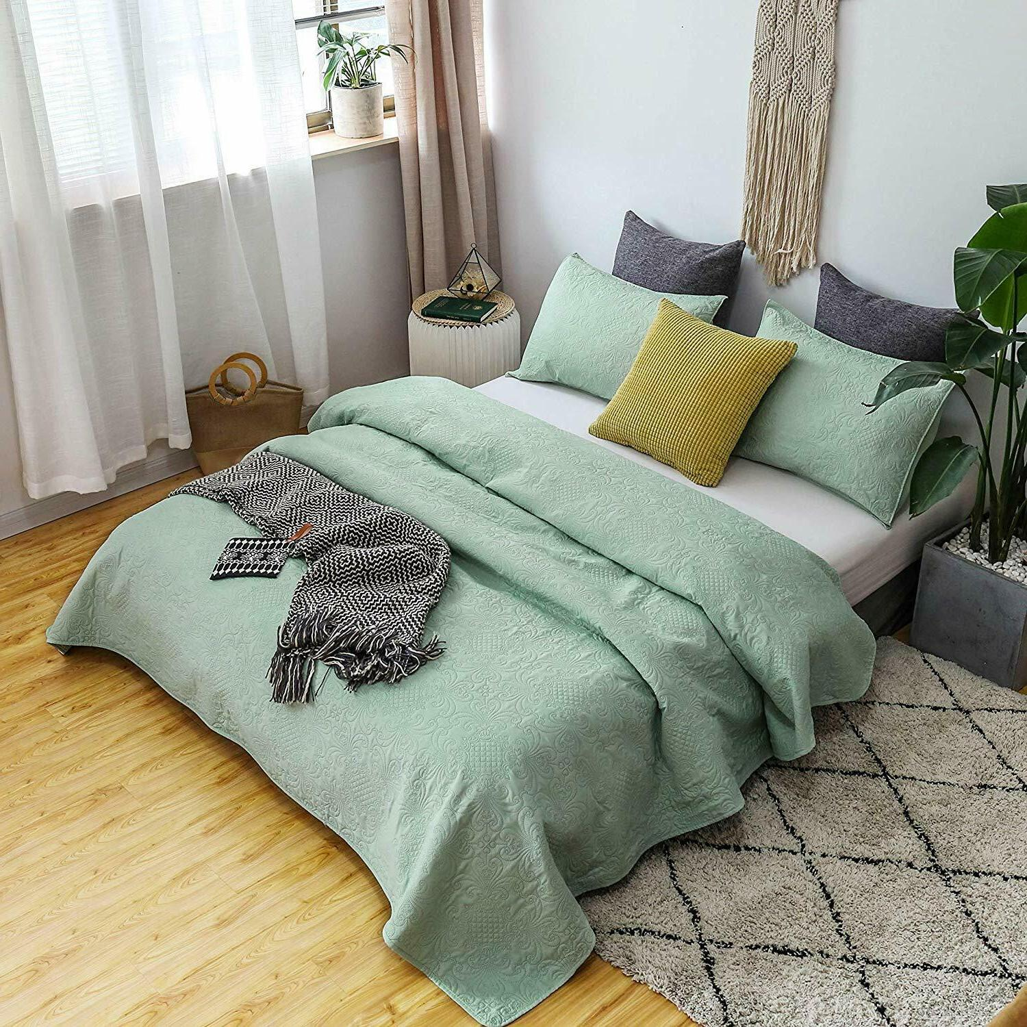 Luxury Soft Microfiber Quilted Bedspread Set