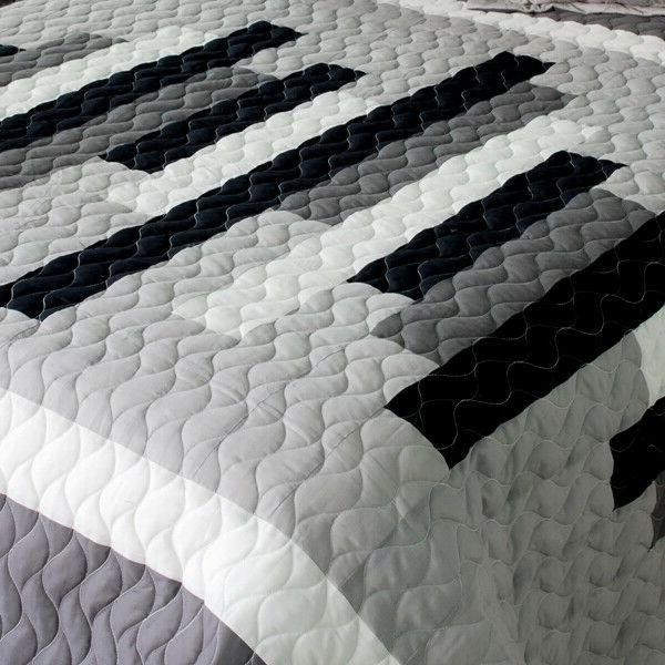 Neat Vermicelli-Quilted Patchwork