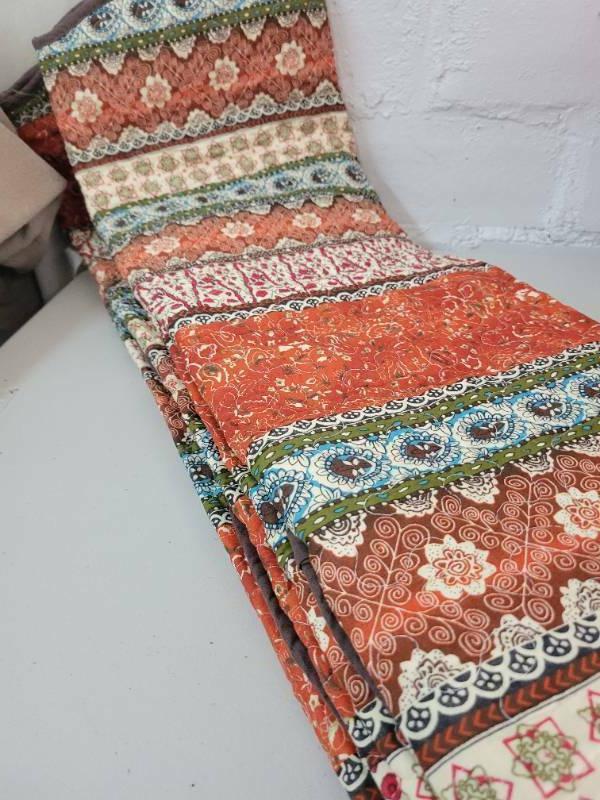NEW~NewLake Bedspread 3 Bed~100%