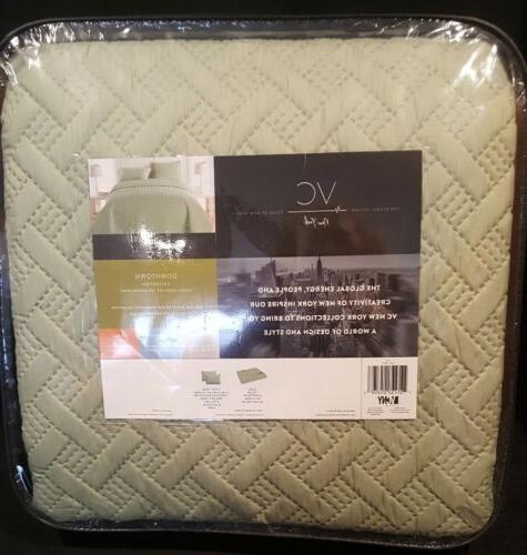 New Luxurious Pattern Quilt Set New York King x 90 inches