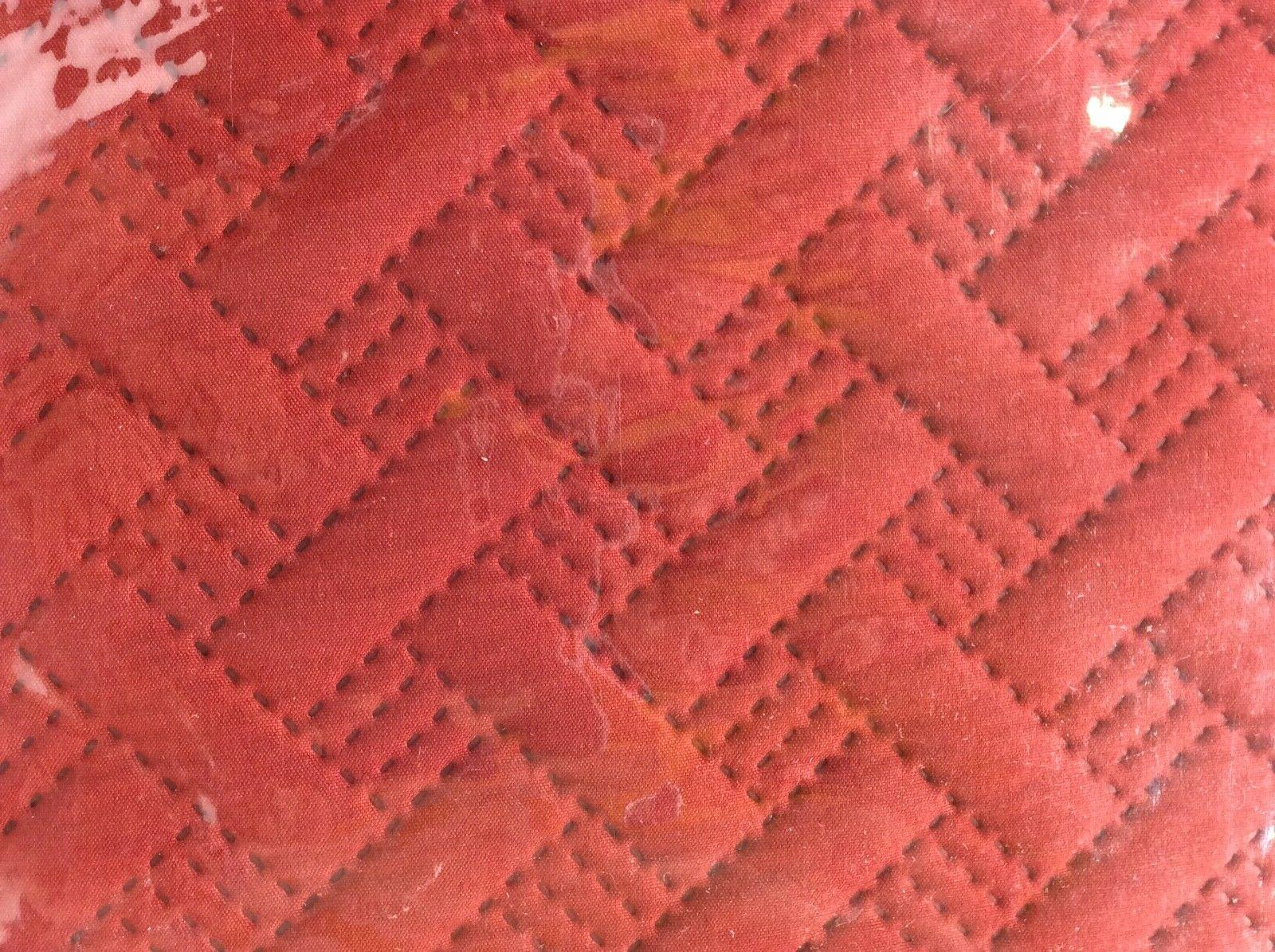 VCNY Home Solid Basketweave King Red