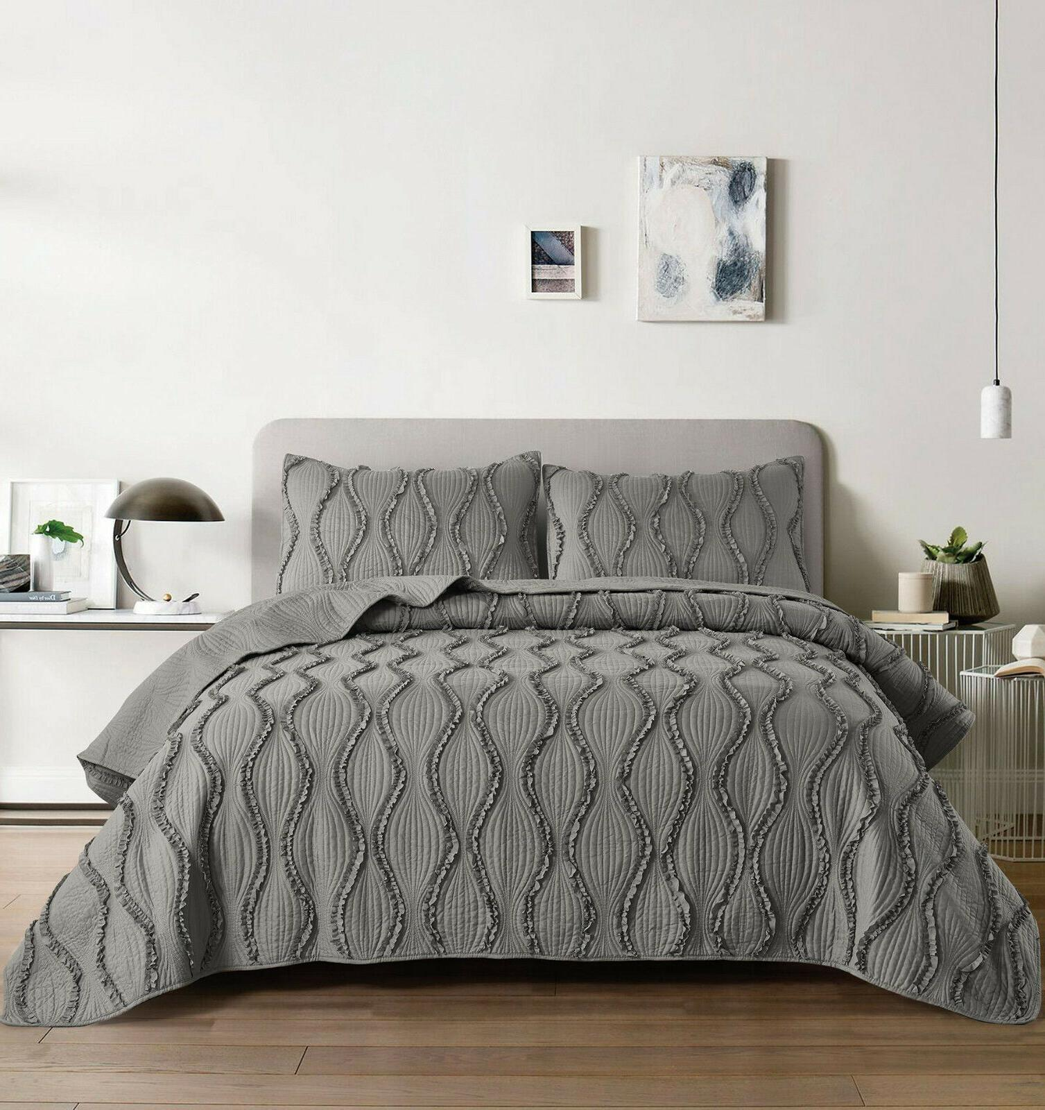 ogee ruffle solid quilt sham