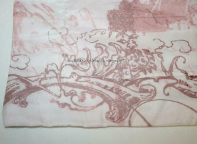 Pem / Queen Pale Pink Toile Tower