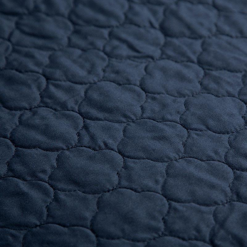 Bedsure Luxury Grey