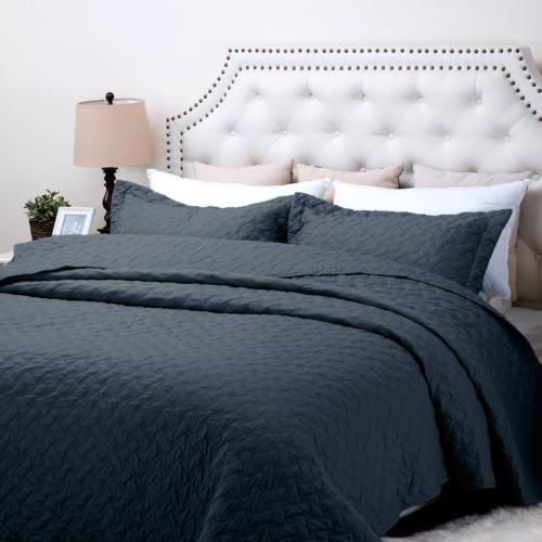 Bedsure Quilt Set Navy King Size 106x96 inches - Basket Weav