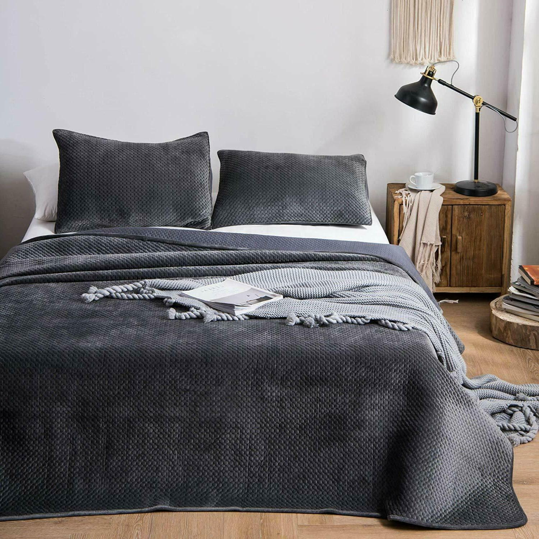 3-Piece Super Soft Warm Velvet Quilt Bedspread Coverlet Blan