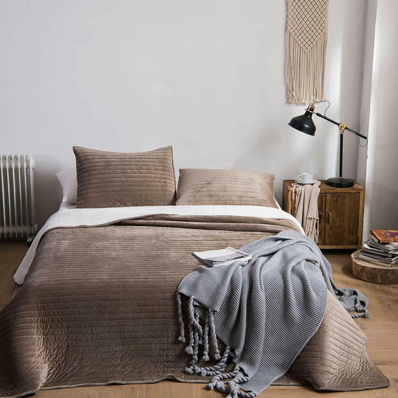 Soft Flannel Fleece Bedding Coverlet Bedspread Blanket