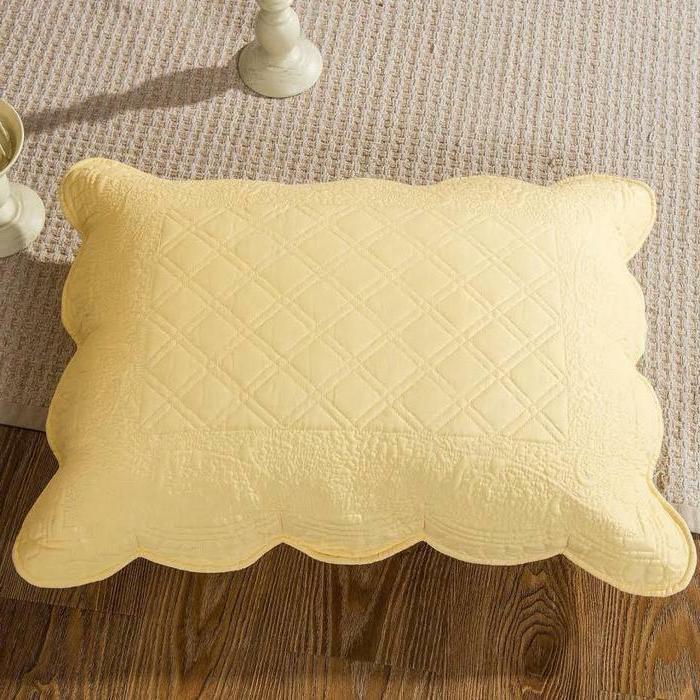 Tache Matelasse Buttercup Elegant Quilt Set