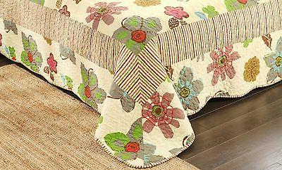 Blooms Quilt Coverlet Set