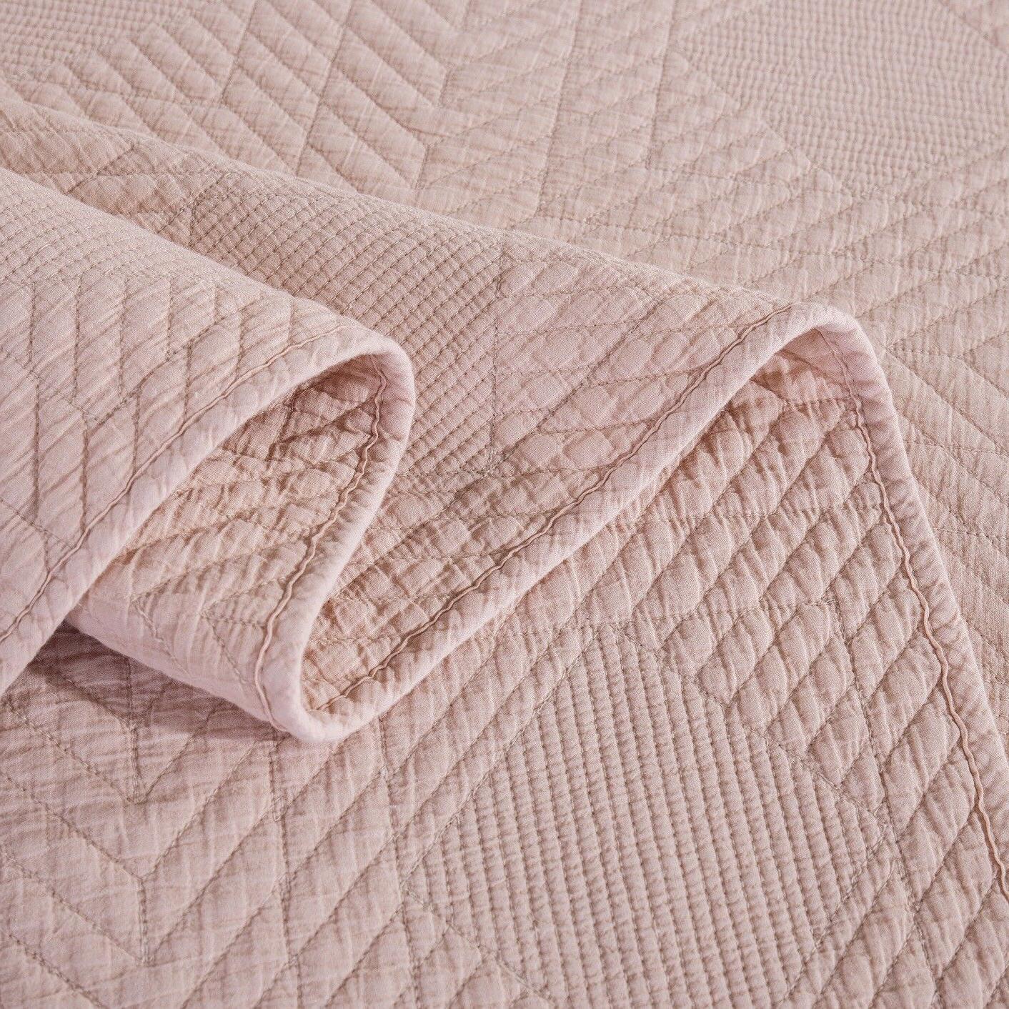 Tache Bedspread Set