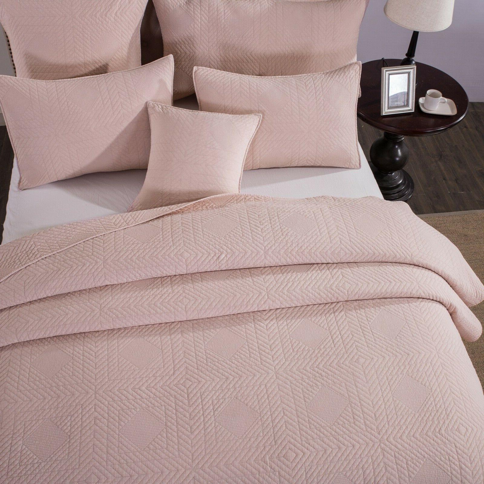 Tache Solid Pastel Cotton Bedspread Quilt