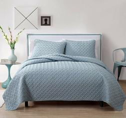 VCNY Home Luxurious Geometric Pattern Quilt Set by VC New Yo