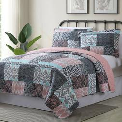 Sylvia Patchwork Printed Reversible 3-Piece Full/Queen Quilt