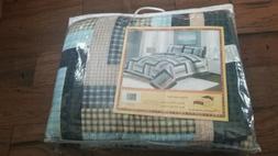 "American Hometex ""Ridgecrest"" 5687 Queen Size 3 Piece Quilt"