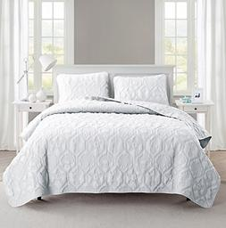 VCNY Home Shore 3-Piece Reversible Bedding Quilt Set, Queen