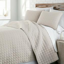 ultra soft stitched embroidered 3 piece quilt